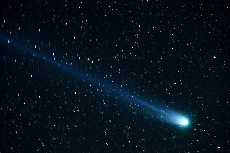 comet-877918_1280
