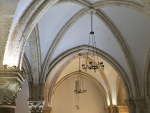 Vaulted ceiling with simple chandeliers